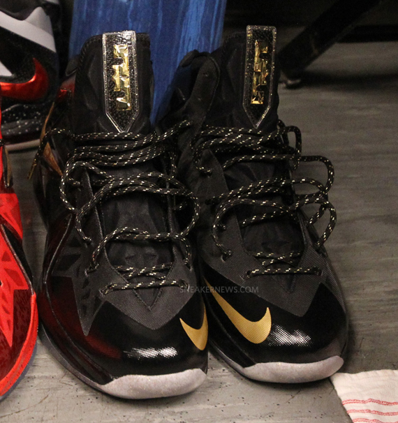 What Shoes Are Lebron James Wearing Tonight