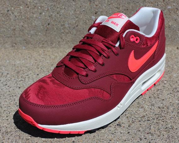 67a8d9177b Nike Air Max 1 PRM