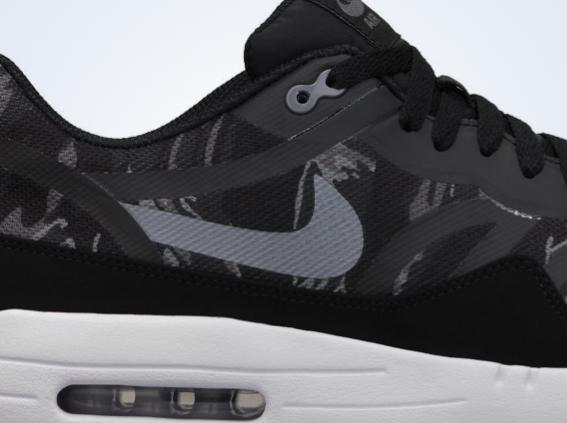 265022bb9e40 Nike Air Max 1 Premium Tape