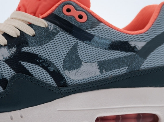 Wmns Nike Air Max 1 PRM Tape Camo Light Armory Blue Pink