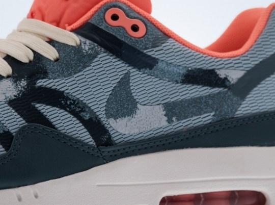 Nike Air Max 1 Tape
