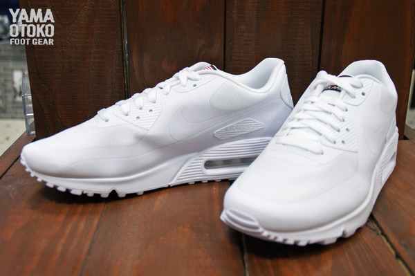 sale retailer 34f9d 26bc9 Nike Air Max 90 Hyperfuse