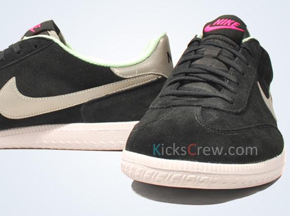 Nike Cheyenne 2013 Yeezy Black Fresh Mint 579618013 Nike Sportswear Shoes Factory Outlet