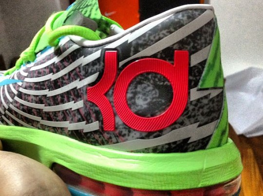 """Nike KD VI Supreme """"DC Preheat"""""""