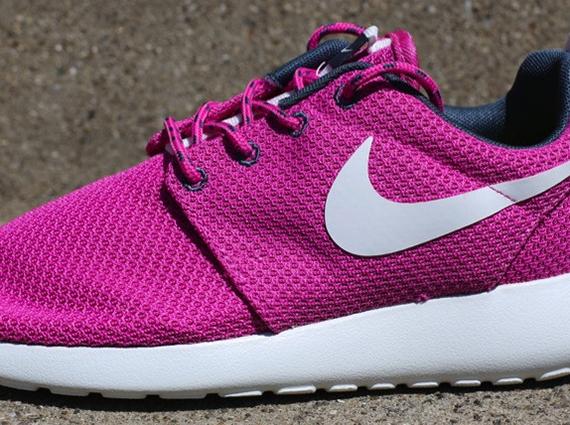 Nike Roshe Run Women Pink And Blue