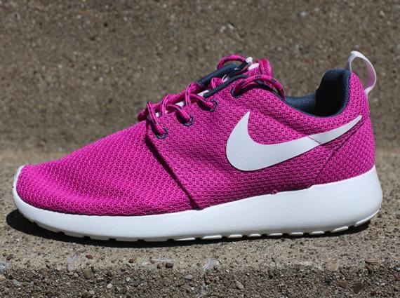 Nike WMNS Roshe Run - Club Pink