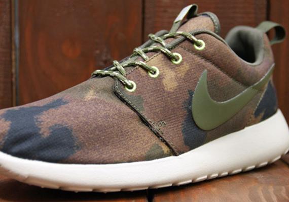 Nike WMNS Roshe Run Print Linen Cargo Khaki Mercury