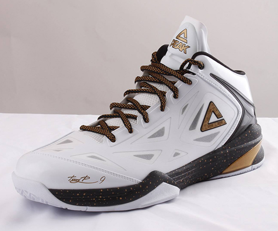 Tony Parker 2013 NBA Finals Sneakers PEAK Team Lightning