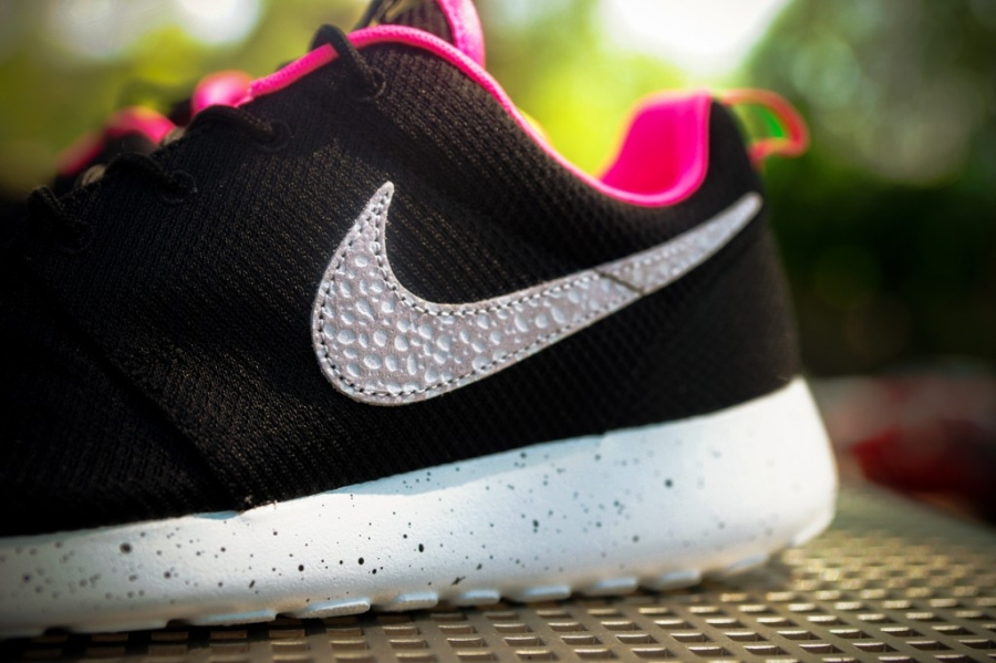"""purchase cheap 5c3d7 8ba15 ... let us know which Size x Nike Roshe Run """"Urban Safari Pack ..."""