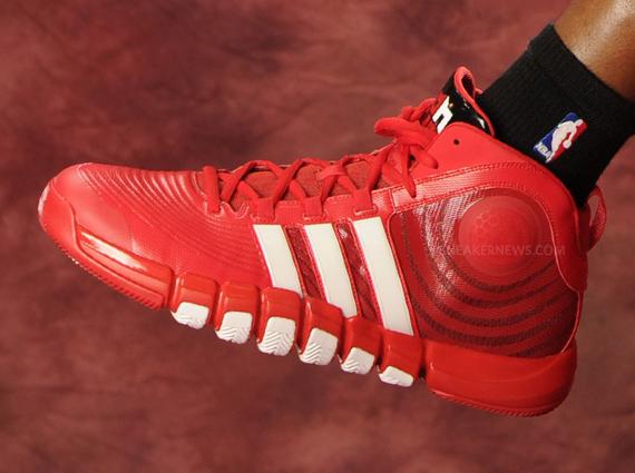 "brand new 91413 be8f5 Dwight Howard in adidas adiPower Howard 4 ""Houston Rockets"" PE"
