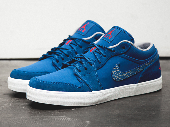 b4cd429e04bb61 Air Jordan AJ V.2 Low - True Blue - Fire Red - SneakerNews.com