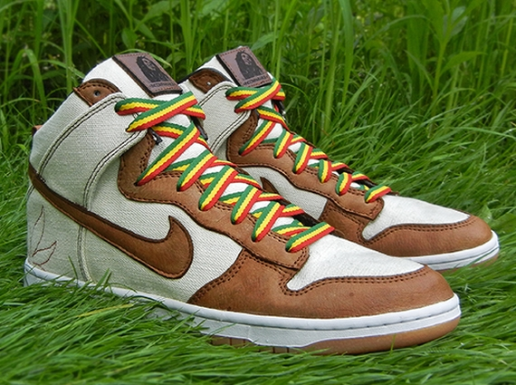 For An Herbal Included Dunk To Take Things All The Way Up High Silhouette Jbf Customs Did That With His Latest Creation Earthy Looking Nike