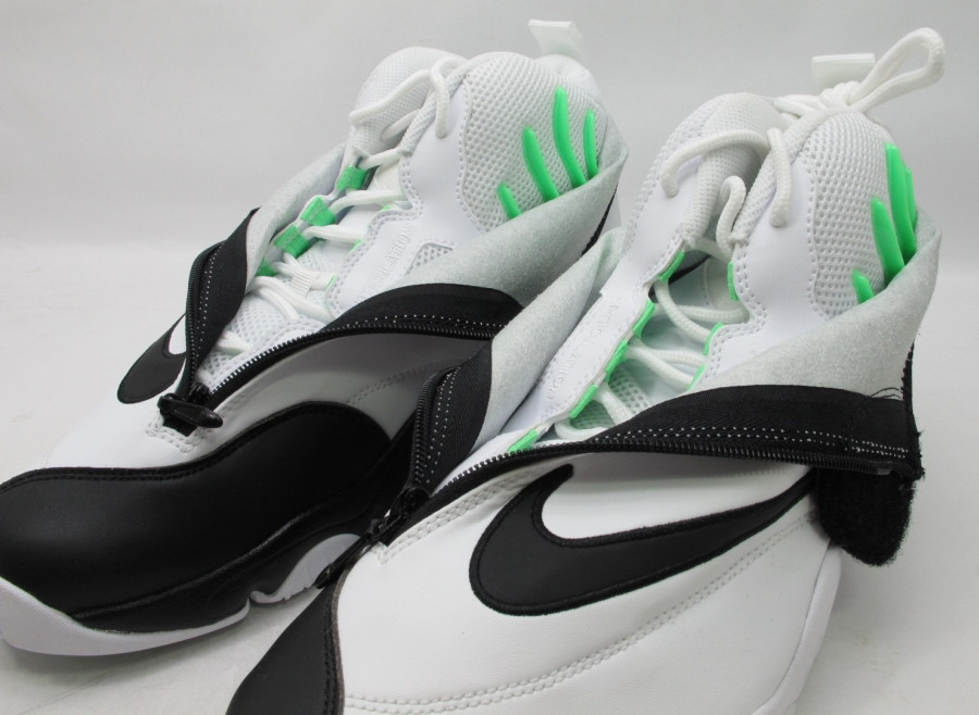 huge discount d5f25 fbce7 Nike Air Zoom Flight The Glove - White - Black   Sample on eBay -  SneakerNews.com