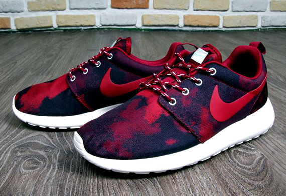 official photos a707a 3261d Nike WMNS Roshe Run Print
