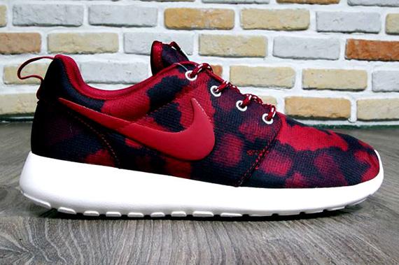 official photos ce7fb 6457e Nike WMNS Roshe Run Print