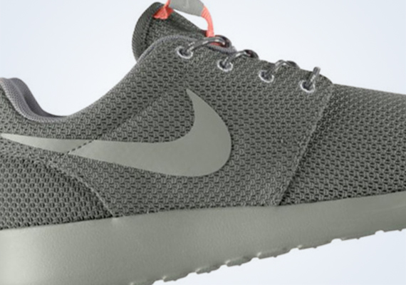 b11f9e4d3d10 While we continue to see the Nike Roshe Run drop crazy multi-patterned  colorways suitable for summer