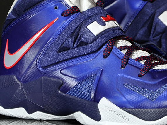 Nike Zoom Soldier VII – Deep Royal Blue – Pure Platinum – Midnight Navy