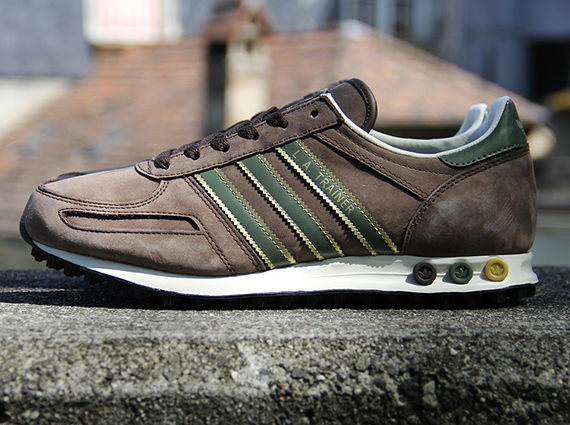 Camarada sustracción Festival  adidas Originals LA Trainer - Mustang Brown - Metallic Gold - St Major -  SneakerNews.com