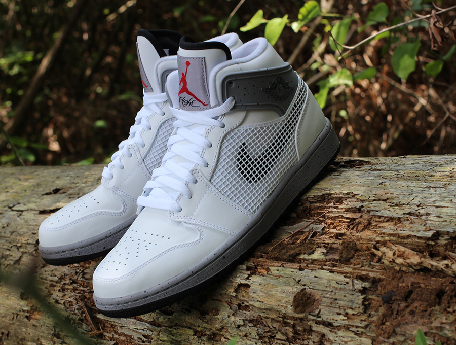 "Air Jordan 1 '89 ""White/Cement' ..."