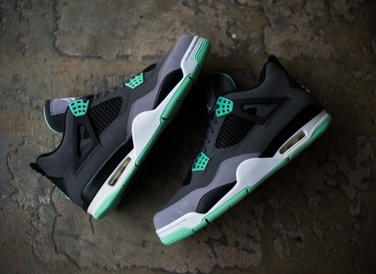 "Air Jordan IV ""Green Glow"" – Release Reminder"