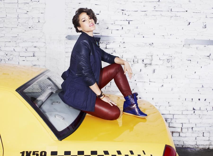 7d0e3267aae1c3 Alicia Keys x Reebok Classics Fall Winter 2013 - SneakerNews.com