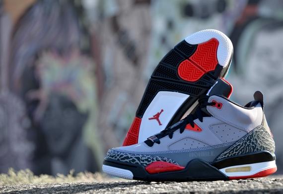 25f5f949fb1 Jordan Son of Mars Low Cement Grey/Black-Fire Red-White 580603-004 08/10/13