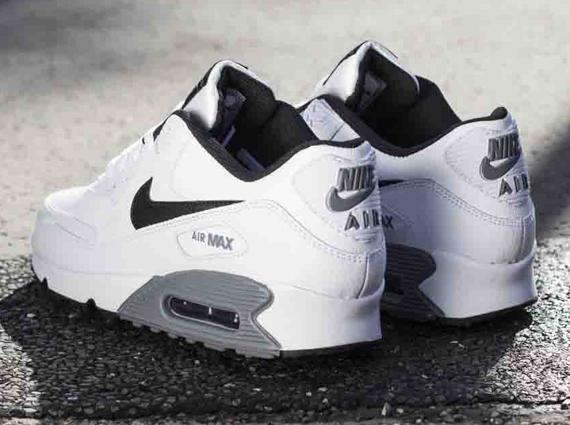 black and white nike air max 90