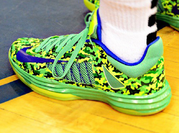 "the latest 29cbf be4ca Nike Hyperdunk 2012 Low – Kyrie Irving ""Chill Camo"" PE"