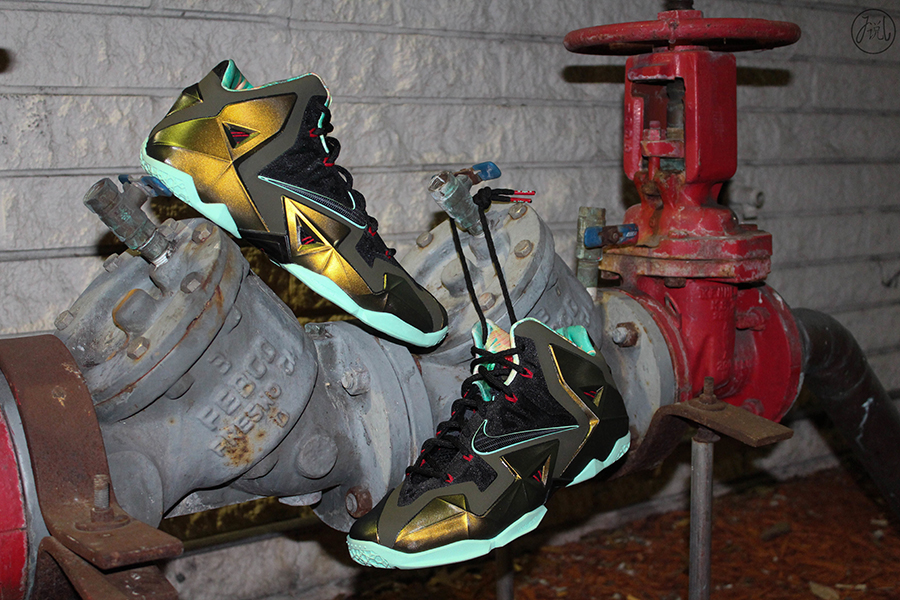 newest collection 76943 565f6 Nike LeBron XI Parachute Gold Arctic Green-Dark Loden-Black 616175-700 10 12  13  200. Advertisement