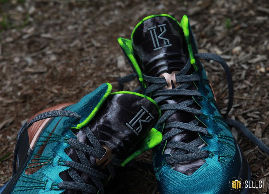 watch a65e3 c1d45 Sneaker News Select  Nike Hyperdunk 2013 Kyrie Irving PE