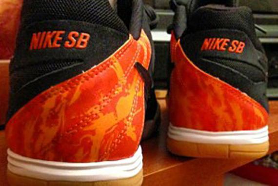 sale retailer 31157 78b8e Thrasher x Nike SB Lunar Gato