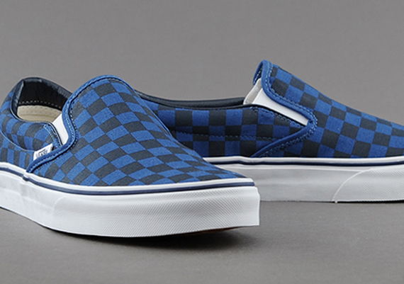 844bae7efd83de Vans Slip-On - Dark Blue Checkerboard - SneakerNews.com