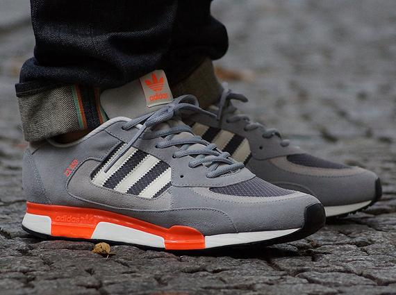 a015077625635 adidas Originals ZX 850 - Aluminum - Chalk - Iron - SneakerNews.com