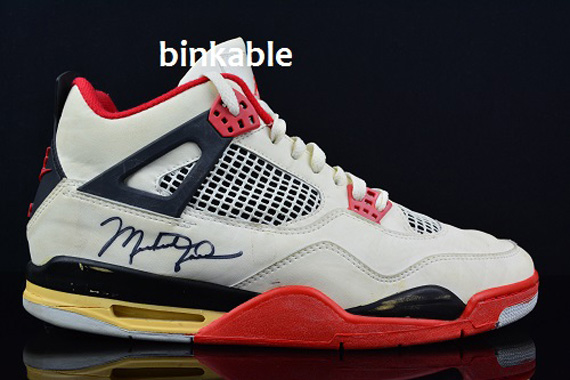 """Og Fire Red 4s Air Jordan IV """"Fi..."""