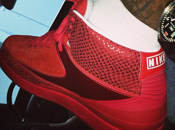 online store 276d5 44a5c Carmelo Anthony Shows Off His Air Jordan II