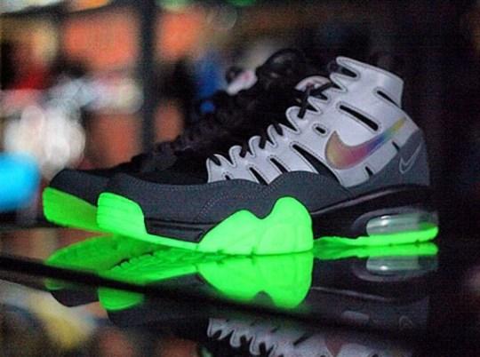 "EA Sports x Nike Air Trainer Max '94 ""Glow in the Dark"""