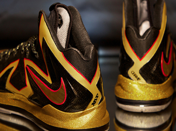LeBron James was one of the first superstars to get in on the custom  sneaker rotation when he received a dope Iron Man custom from Mache Customs  during the ... c4ba565e53a5