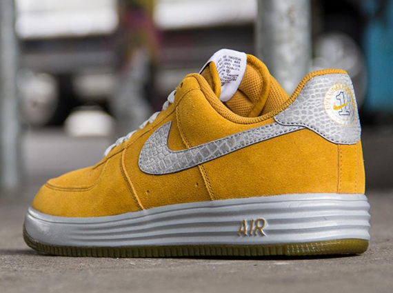 Nike Lunar Force 1 Reflect - Gold Suede