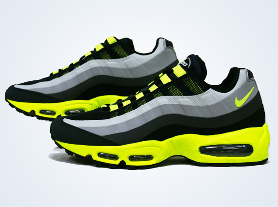 Nike Air Max 2013 Wolf Grey Volt Black