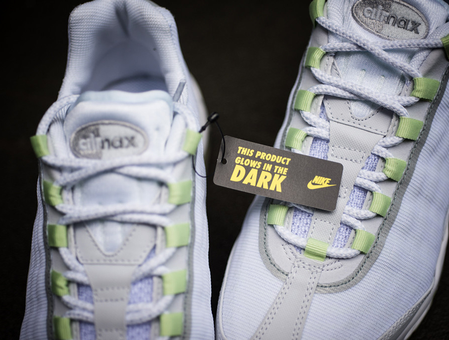 air max 95 reflective tape