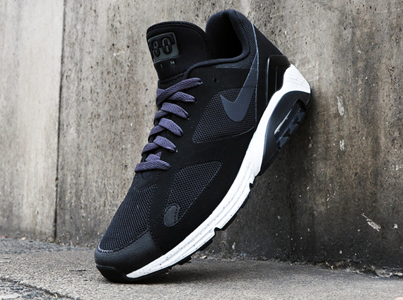 c55276735570 Nike s classic Air 180 was recently hit with an update that saw the upper  blocked with a new Lunar-sectioned speckled sole perfect for the Fall in a  ...
