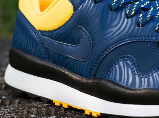 Nike Air Safari – Brave Blue – Laser Orange