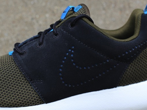 28a55ff57699 Nike Roshe Run - Dark Loden - Black - Mid Turquoise - SneakerNews.com