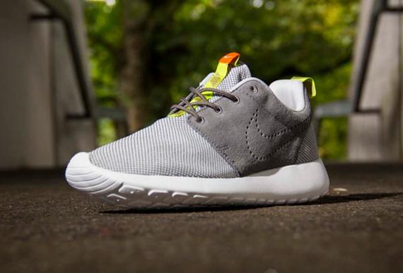 brand new d6d63 5f93f Nike Roshe Run