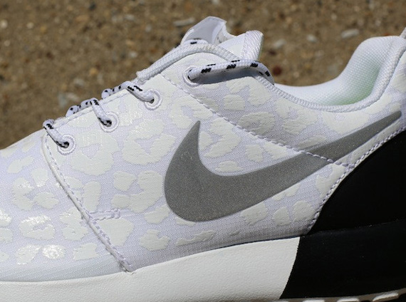 promo code dbbf5 014d8 Back in June, we got our first look at a Nike Roshe Run Premium in white  and black with a tonal pattern on the upper that wasnt immediately obvious  in ...