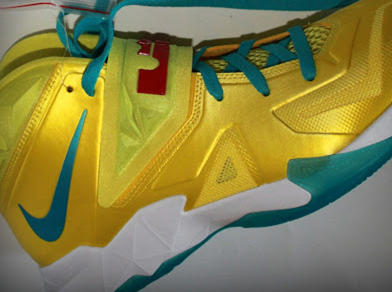 757309c68caf Nike Zoom Soldier VII - Sonic Yellow - Gamma Blue - Sample - SneakerNews.com