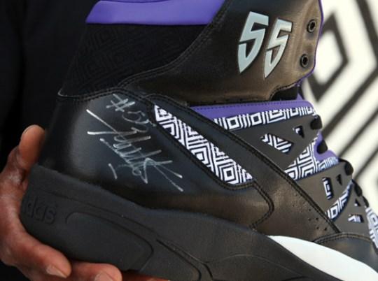 Sneaker News x adidas Originals – Autographed Mutombo Giveaway
