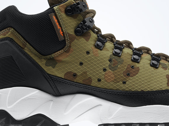 Espinoso Memorándum Cualquier  adidas Originals Torsion Trail Mid - Holiday 2013 Colorways -  SneakerNews.com