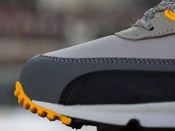 Nike Air Max 90 Essential Pale Grey Laser Orange