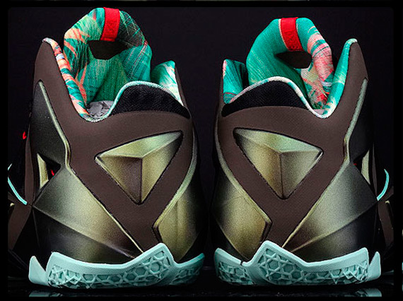 """Nike LeBron 11 """"King's Pride"""" - Available Early on eBay ..."""